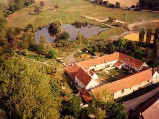 A bird's-eye view of La Ferme des Moulineaux