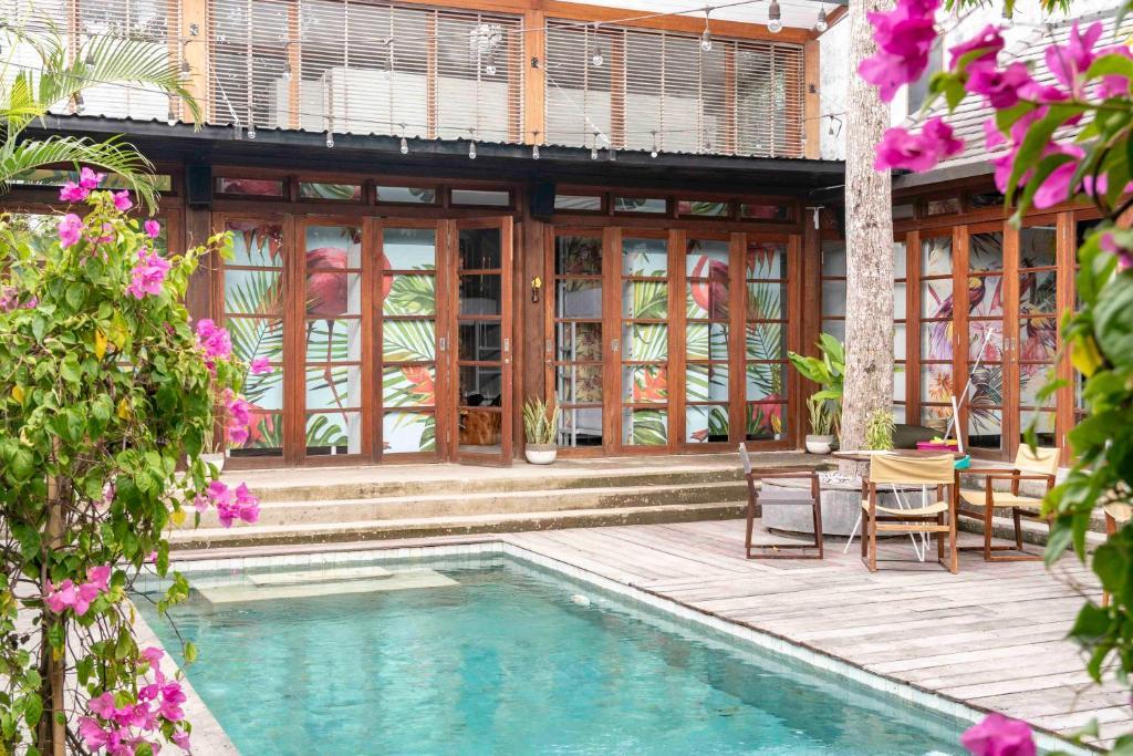A piscina localizada em Socialista Lifestyle Hostel ou nos arredores