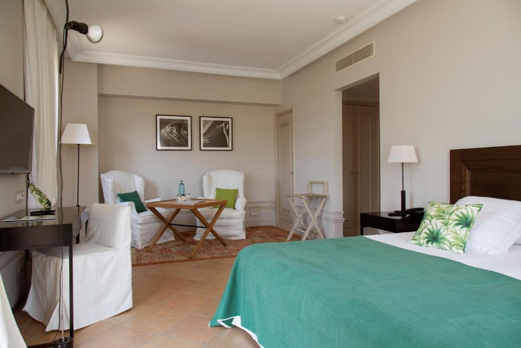boutique hotels in girona  76