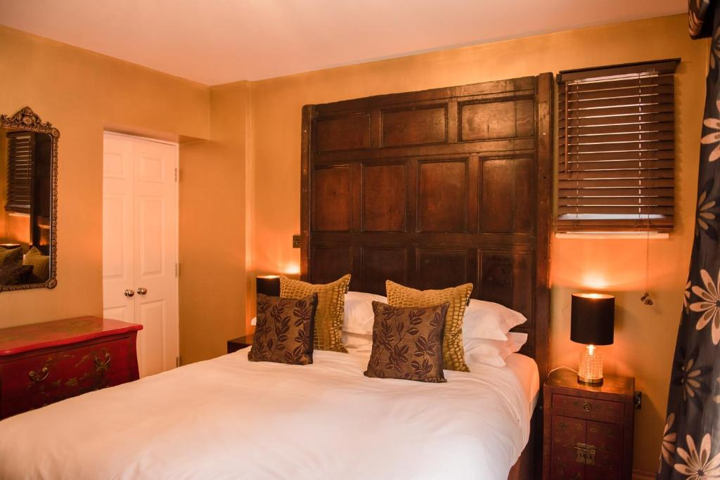 Drapers Hall Restaurant & Boutique Rooms