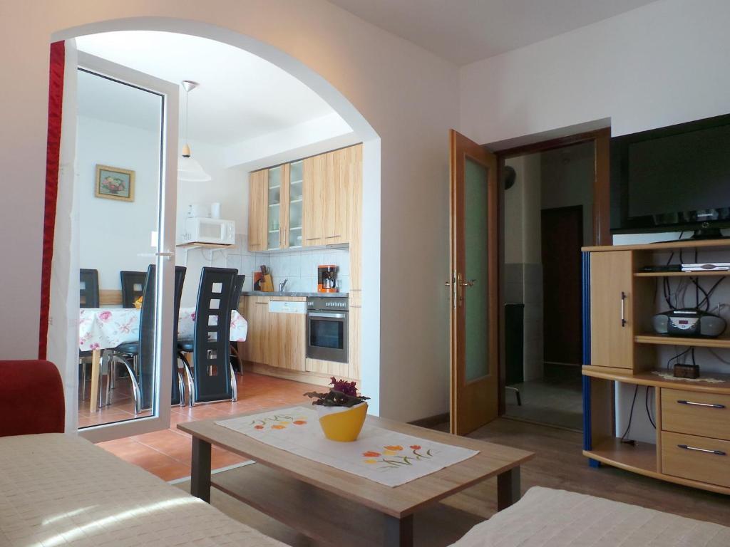 Jadranovo Apartment 5