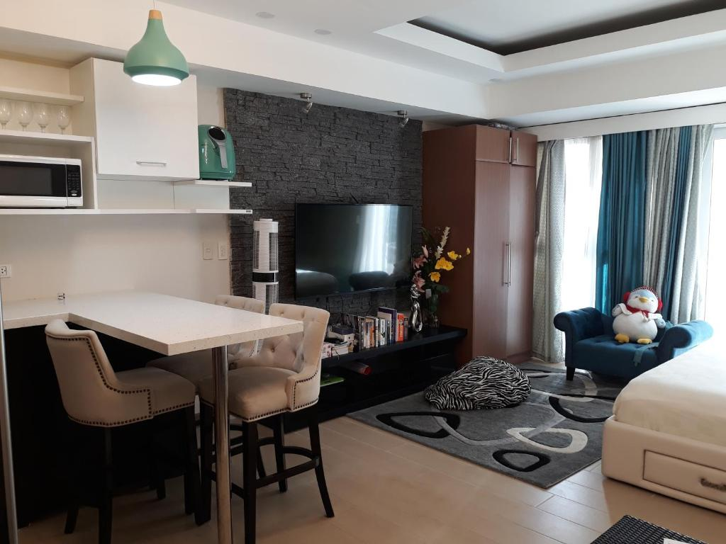 Venice Residences Grand Canal Condo For Rent Manila Philippines