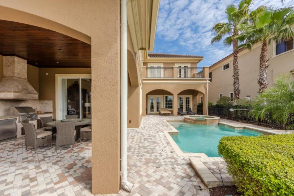 A piscina em ou perto de Picture This... Villa Holiday to Orlando With all Your Family Together, Orlando Villa 3012
