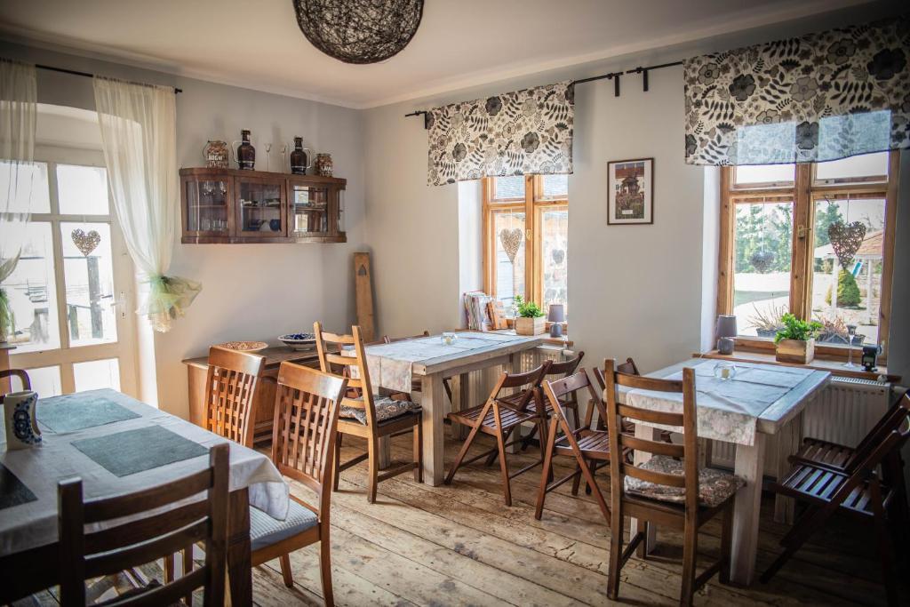 Restoranas ar kita vieta pavalgyti apgyvendinimo įstaigoje Wioska Biegaczy