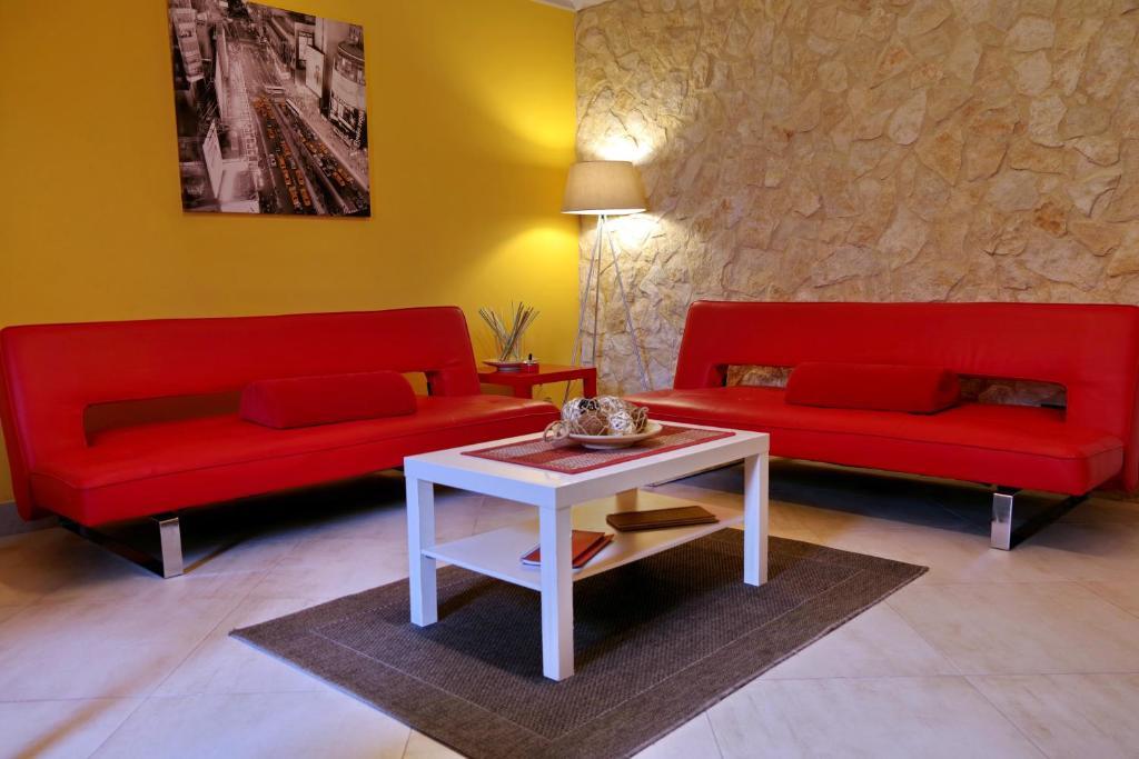 A seating area at La Nicchia