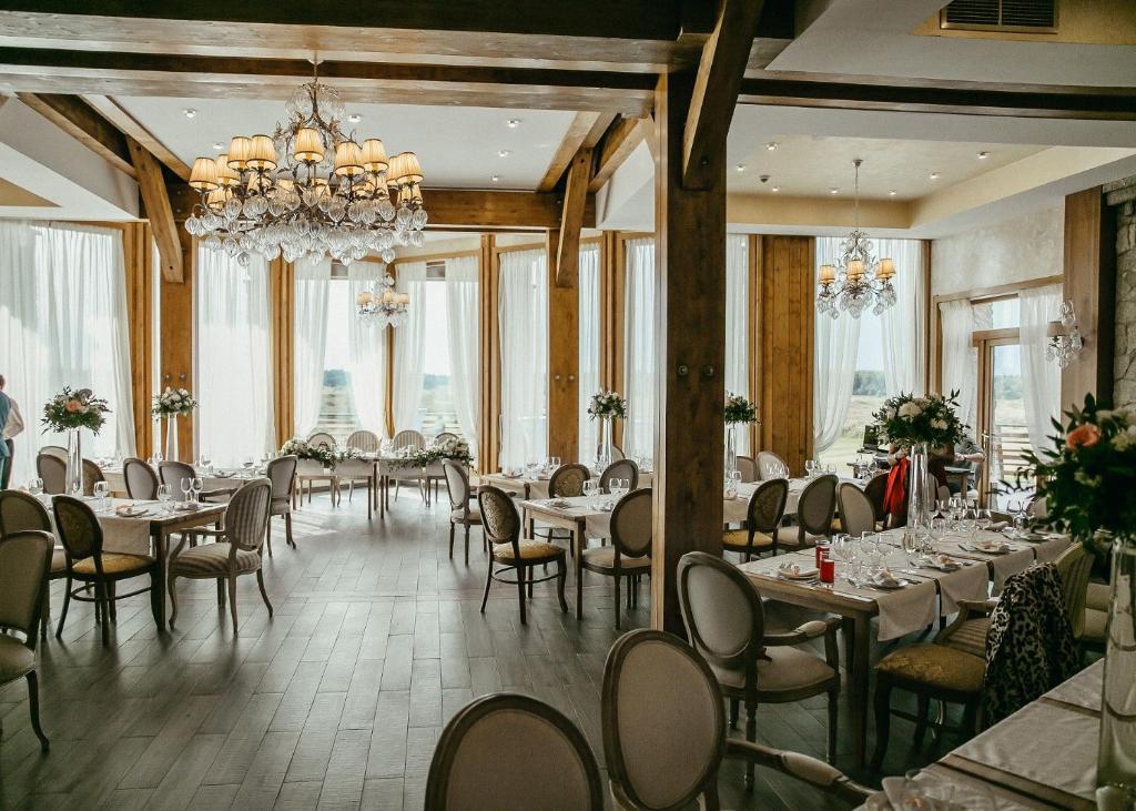 Ресторан / где поесть в Горки Гольф Курорт