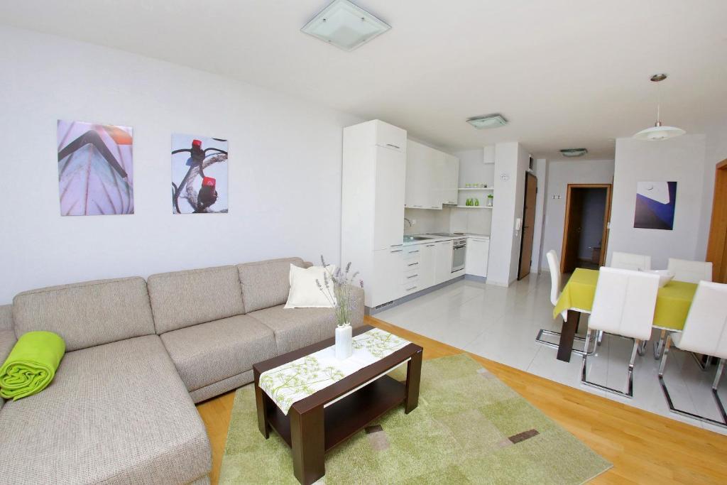 Lila Apartments