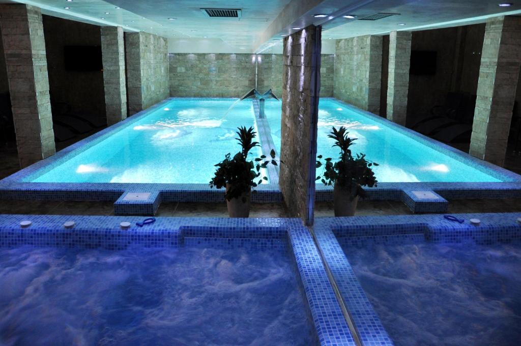 The swimming pool at or near Premier Prezident Garni Hotel and Spa
