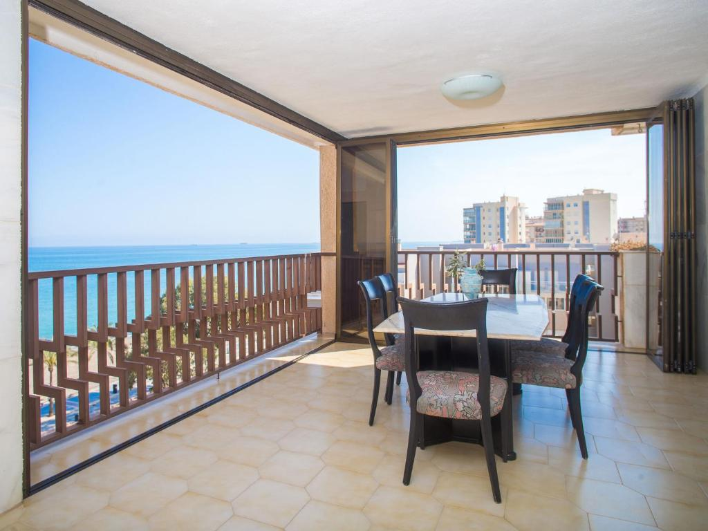 A balcony or terrace at Apartment Edificio Playamar II