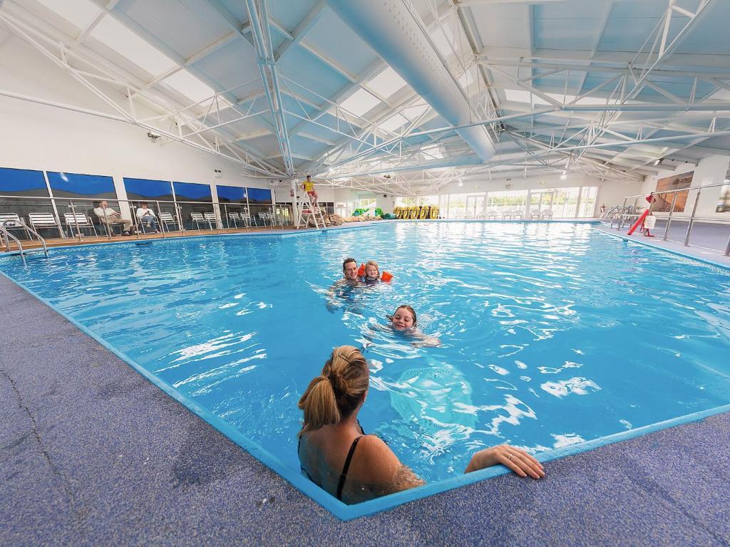 The swimming pool at or near Holiday Home Greenacres.2