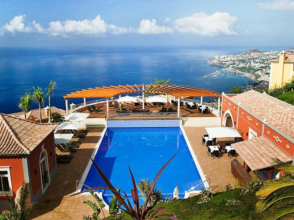 Vista de la piscina de Apartment Village 1 bed sea view o alrededores