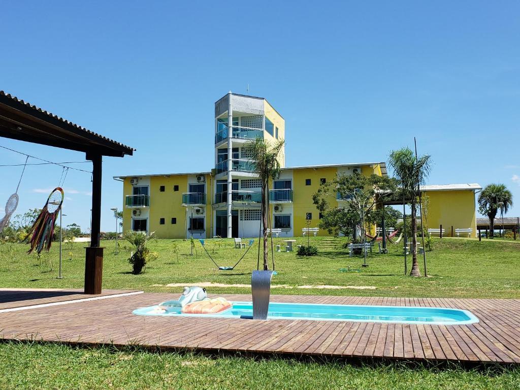 A piscina localizada em Hotel Pousada Laguna Rosa ou nos arredores