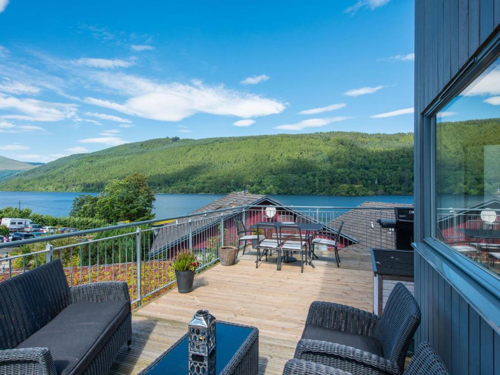 A balcony or terrace at Holiday Home Tay Loch