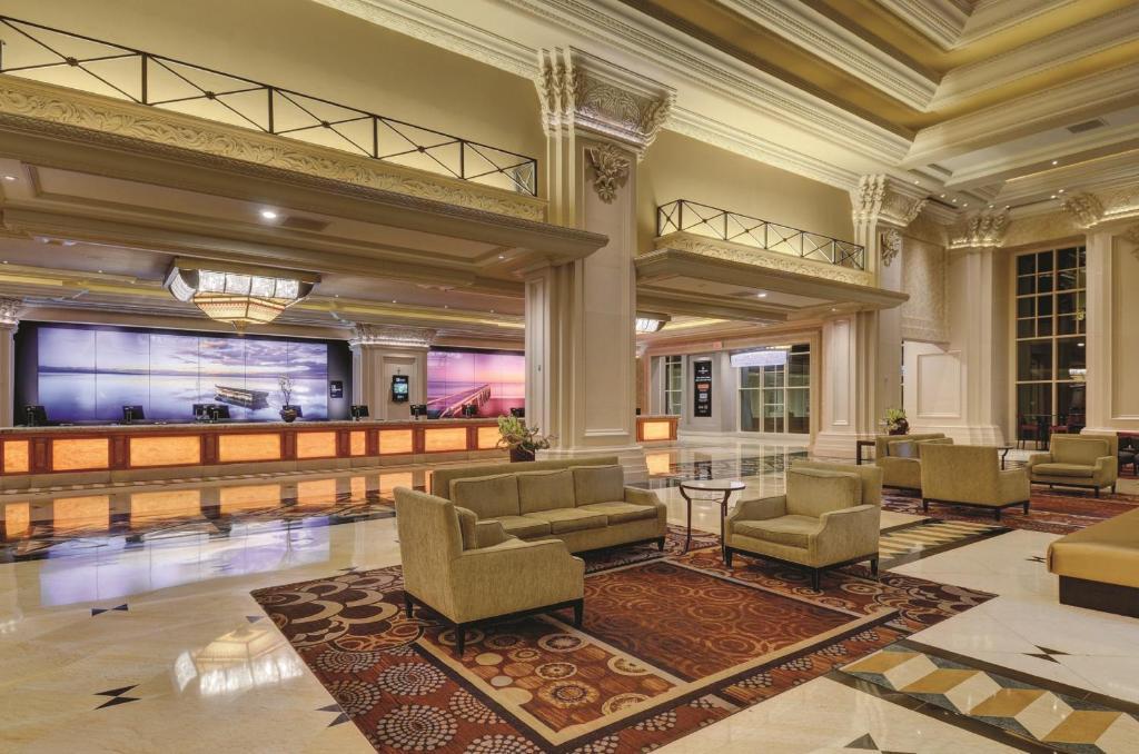 Wondrous Mandalay Bay Las Vegas Updated 2019 Prices Machost Co Dining Chair Design Ideas Machostcouk