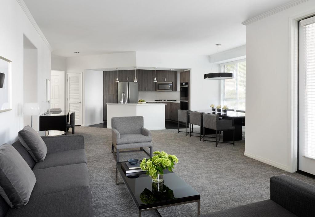 A suite at ALA Beverly Hills.