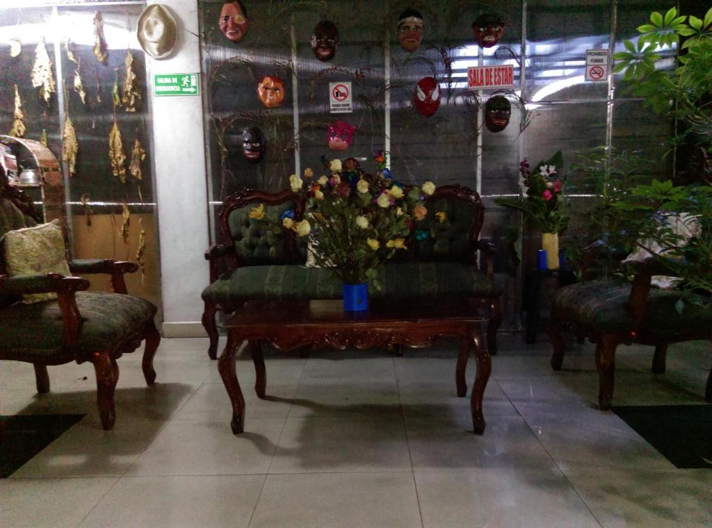 The lobby or reception area at Escocie - Centro Historico