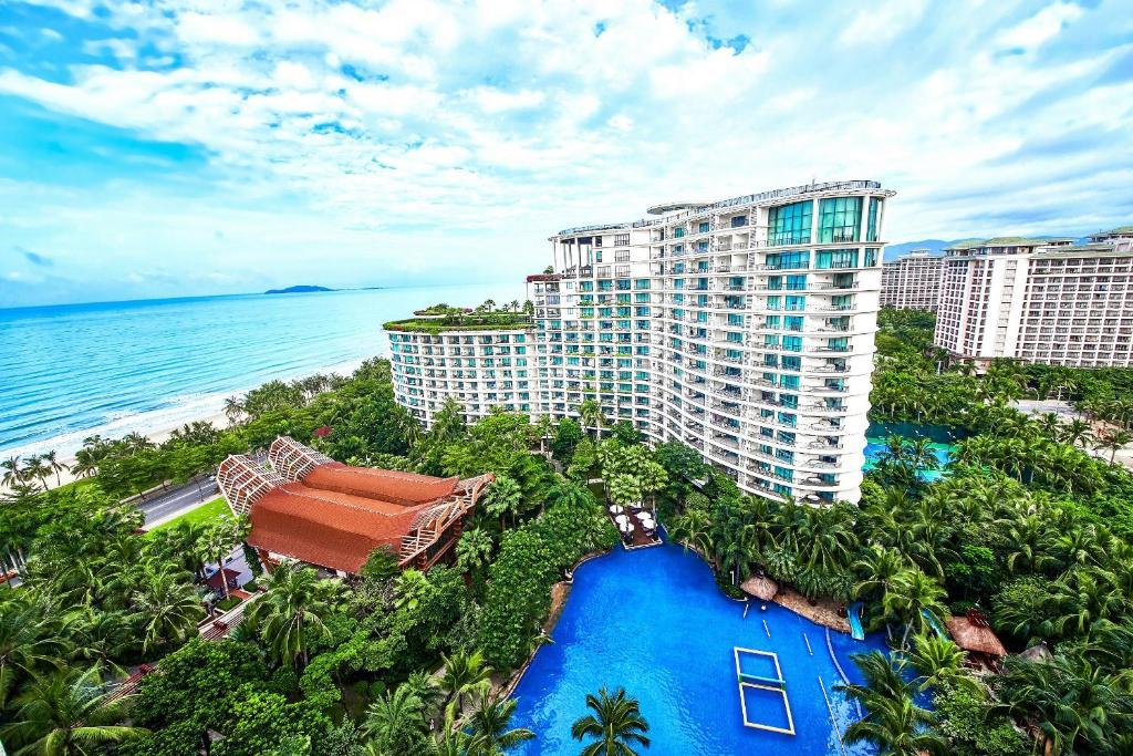 Вид на бассейн в Ocean Sonic Resort Sanya или окрестностях