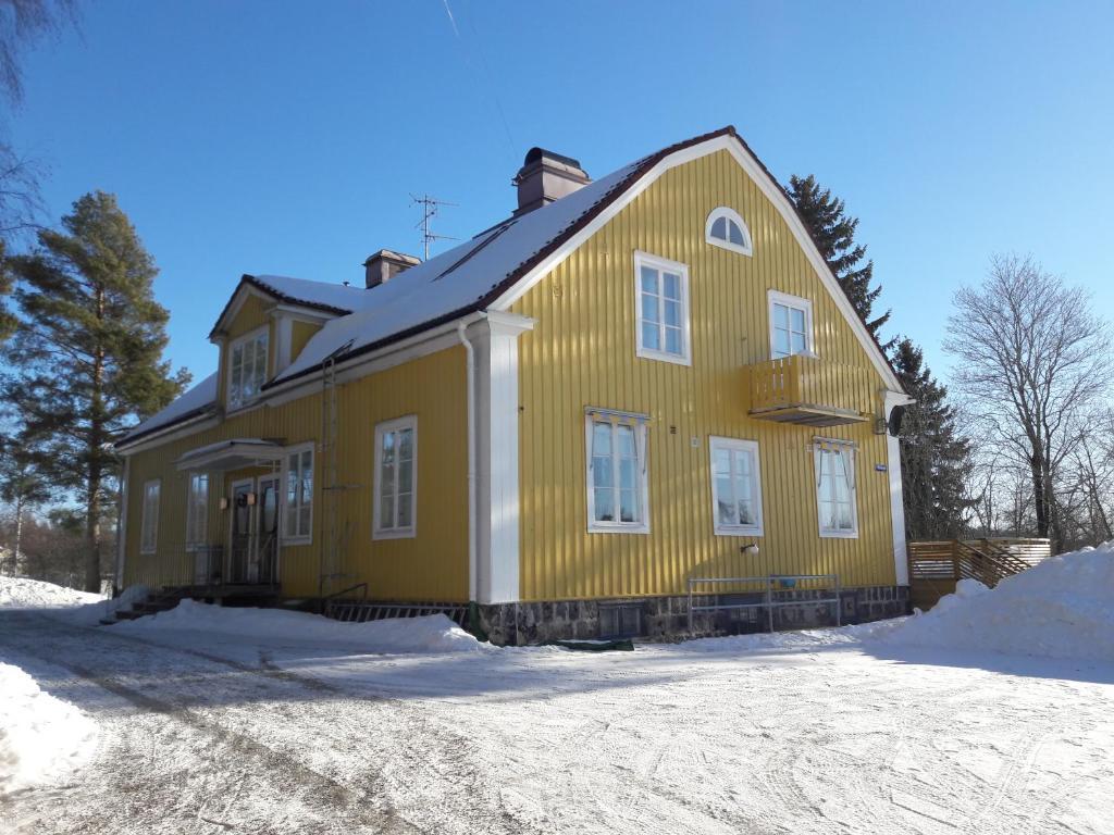 Hotellvägen 2 during the winter