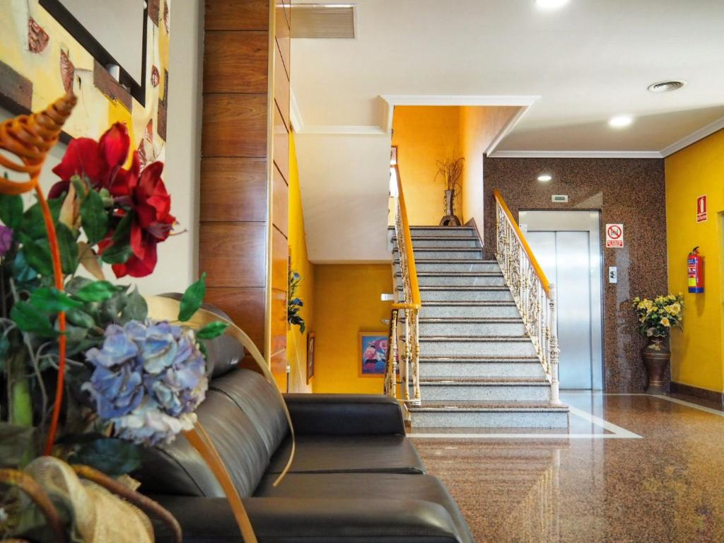 The lobby or reception area at Hotel Humanes
