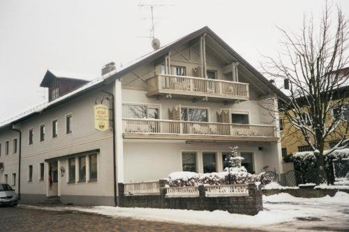 Pension und Gasthof Eibl during the winter