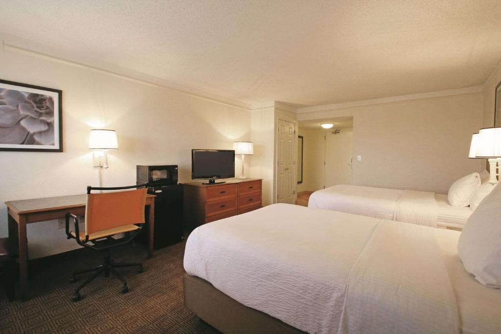 La Quinta Inn & Suites Coral Springs University Drive