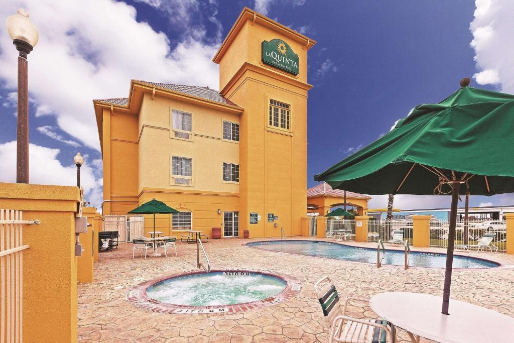 La Quinta Inn & Suites Corpus Christi Northwest