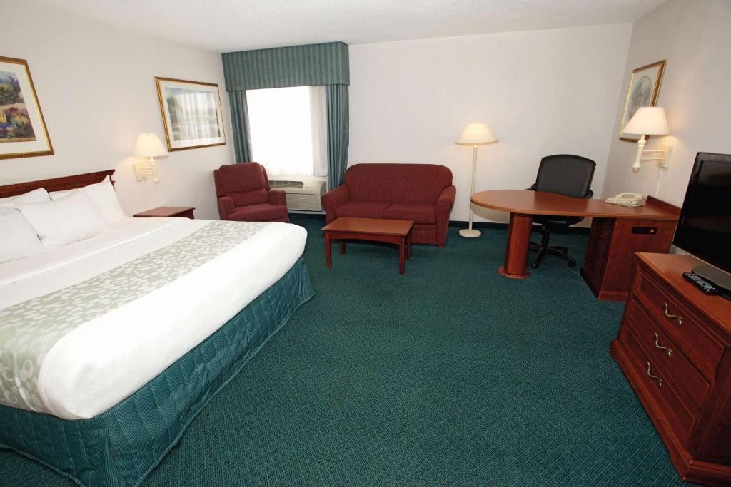 La Quinta Inn & Suites Chicago Gurnee