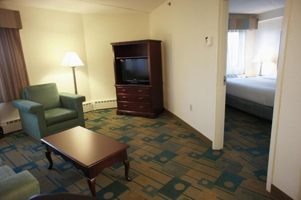 La Quinta Inn & Suites Boston Somerville