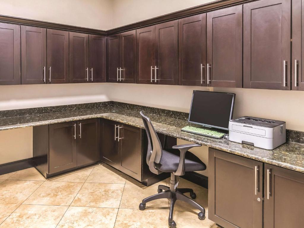La Quinta Inn & Suites Fort Worth/Lake Worth