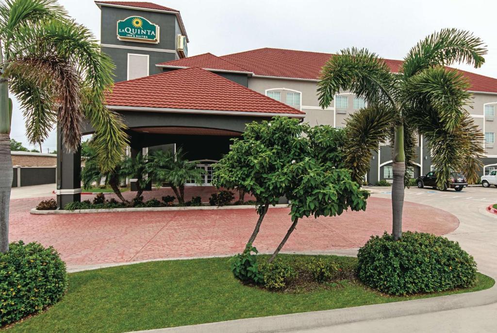 La Quinta Inn & Suites Alamo at East McAllen