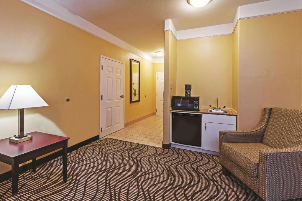 La Quinta Inn & Suites Angleton
