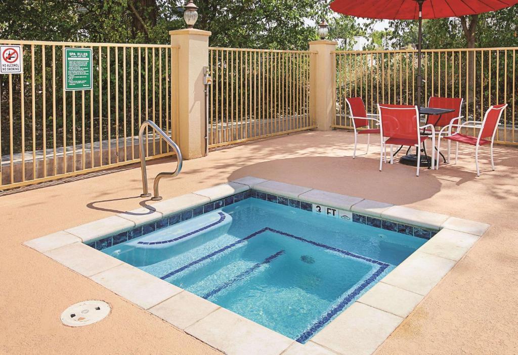 La Quinta Inn & Suites Dallas Hutchins