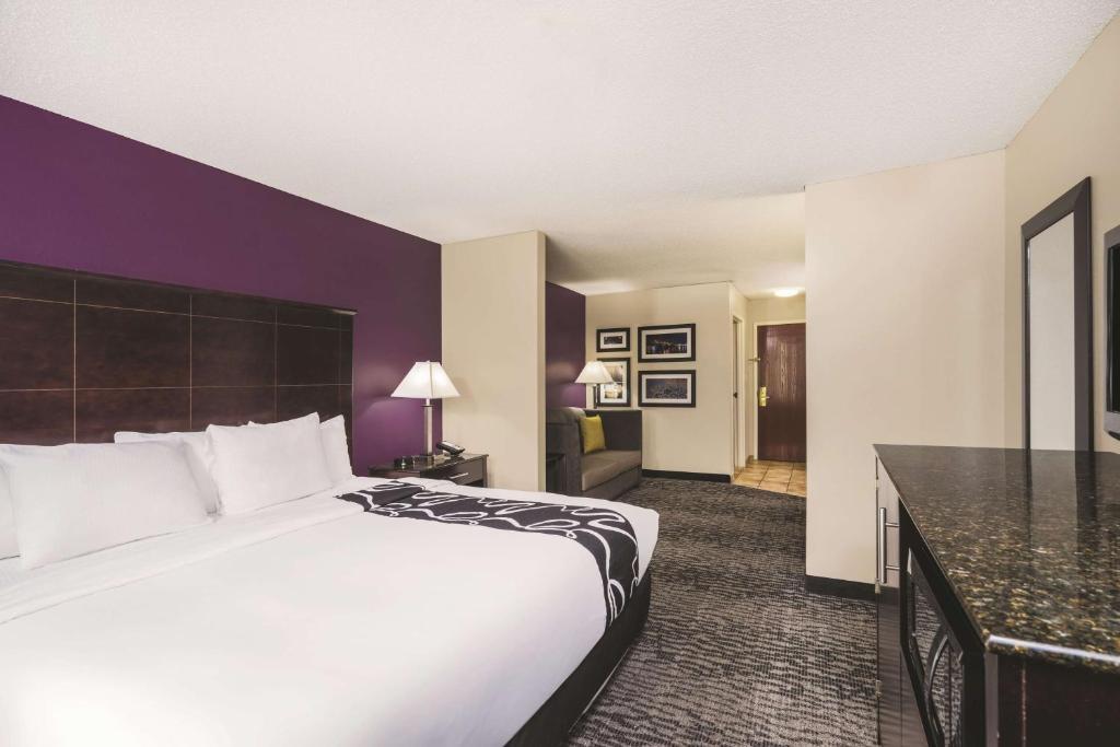La Quinta Inn & Suites Louisville