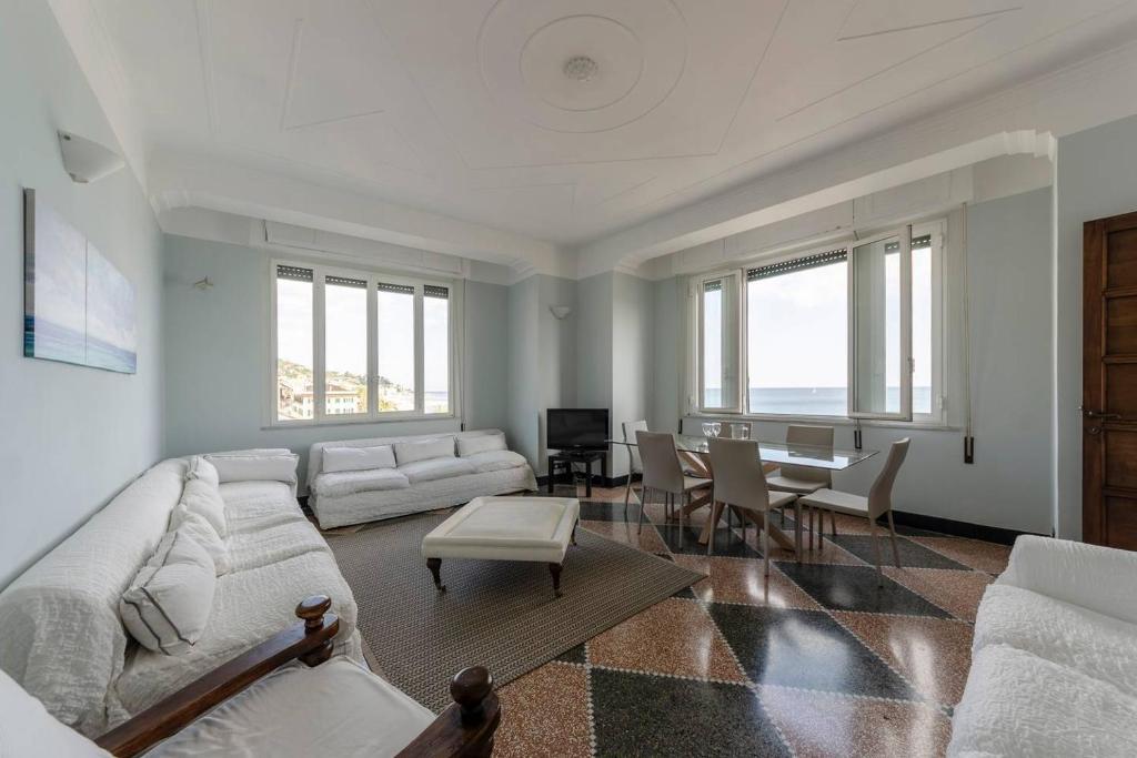 Appartamento Hintown Fronte Mare a Varazze (Italia Varazze ...