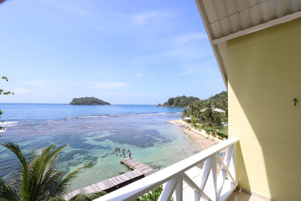 A balcony or terrace at Coconut Grove Lodge