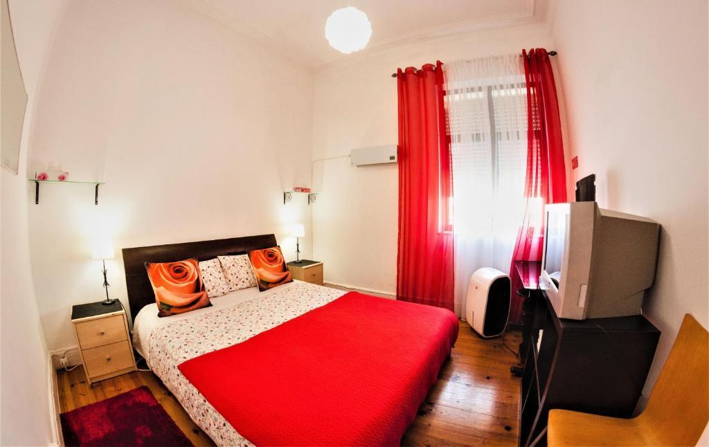 A bed or beds in a room at Farol de Vida