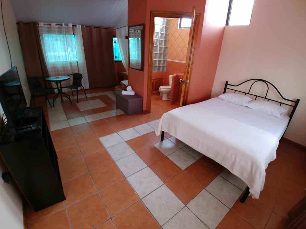 Hotel Roble Urbano, San José, Costa Rica - Booking.com