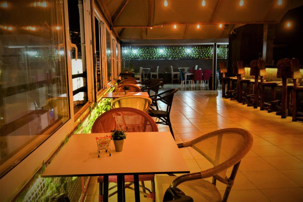Ресторан / где поесть в Melody Hotel