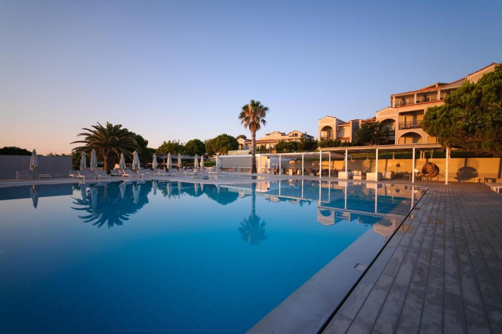 The swimming pool at or close to The Bay Hotel & Suites