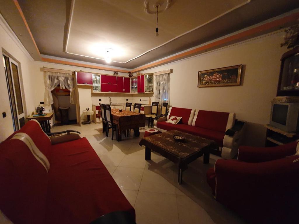 Seating area sa Take a Nap in Berat