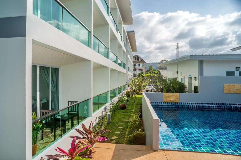 The swimming pool at or near The Tree Samui