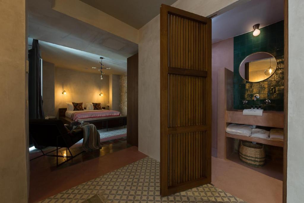 Un baño de The Riad - Adults Only