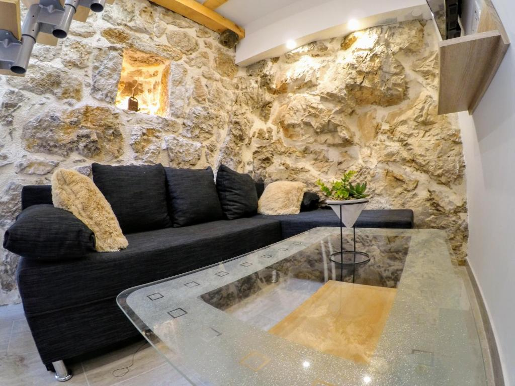 A seating area at Authentic ap for 2, Babino Polje,Mljet