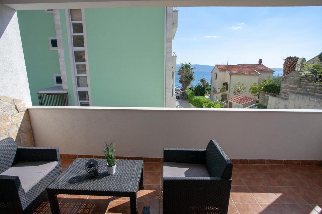 A balcony or terrace at Apartments Sun & Sea