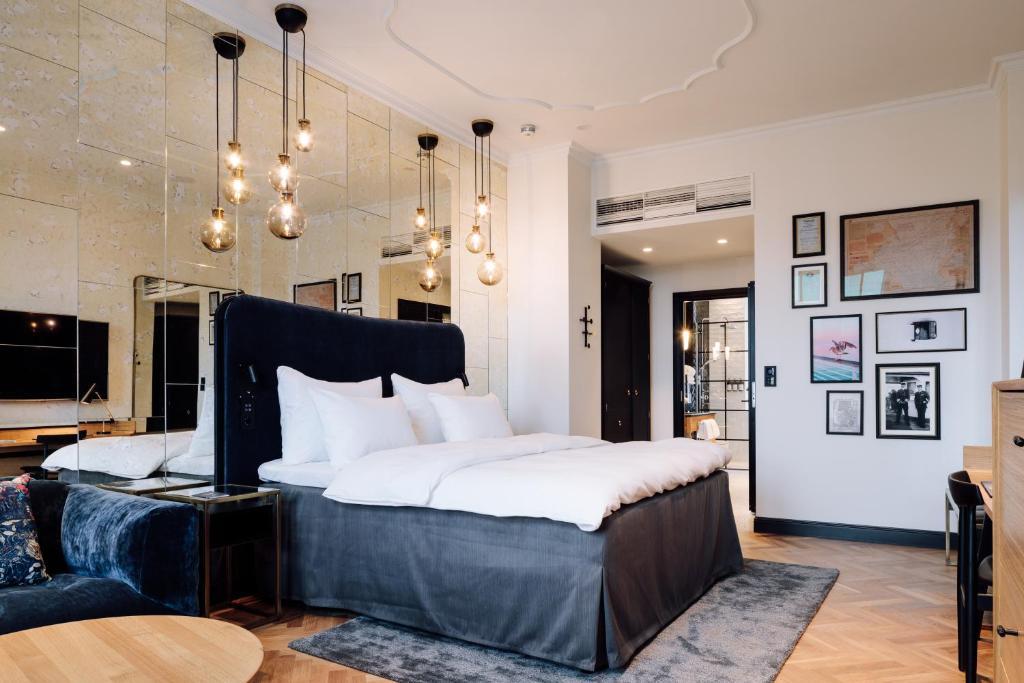 سرير أو أسرّة في غرفة في Amerikalinjen