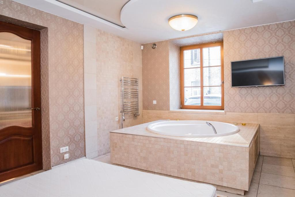 Jacuzzi Interior.Old Town Jacuzzi Apartment Vilnius Atnaujintos 2019 M Kainos
