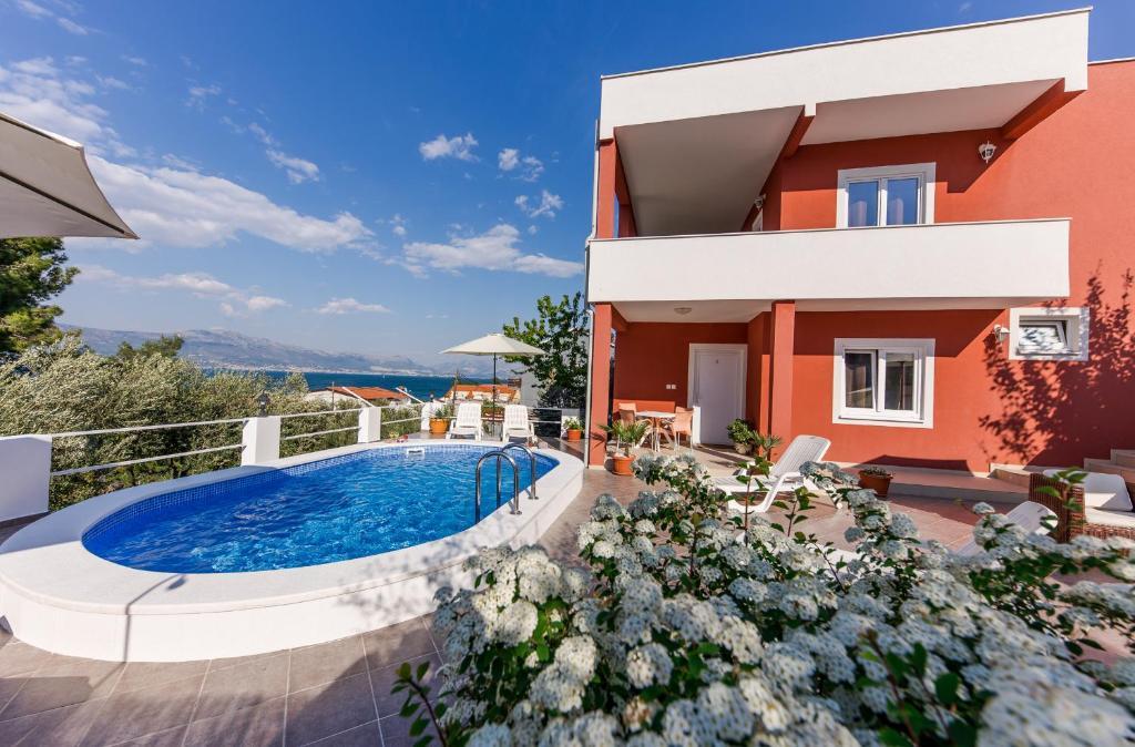 The swimming pool at or close to Villa Nostra