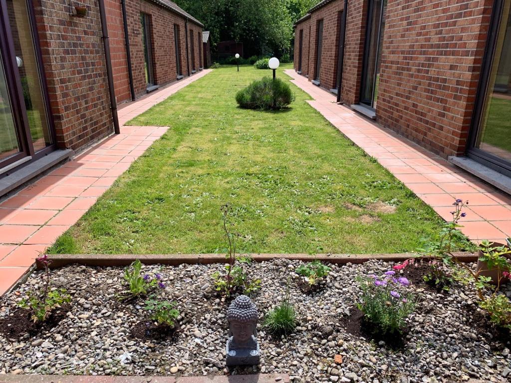 A garden outside Carpe Diem