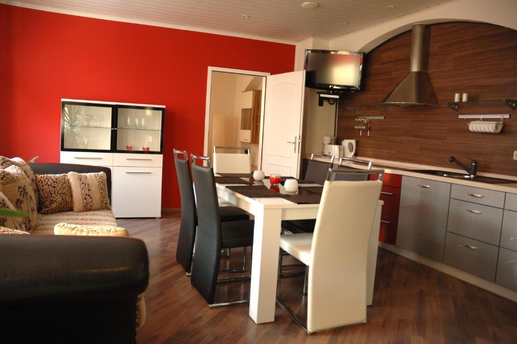 Küche/Küchenzeile in der Unterkunft Apartments Stirl