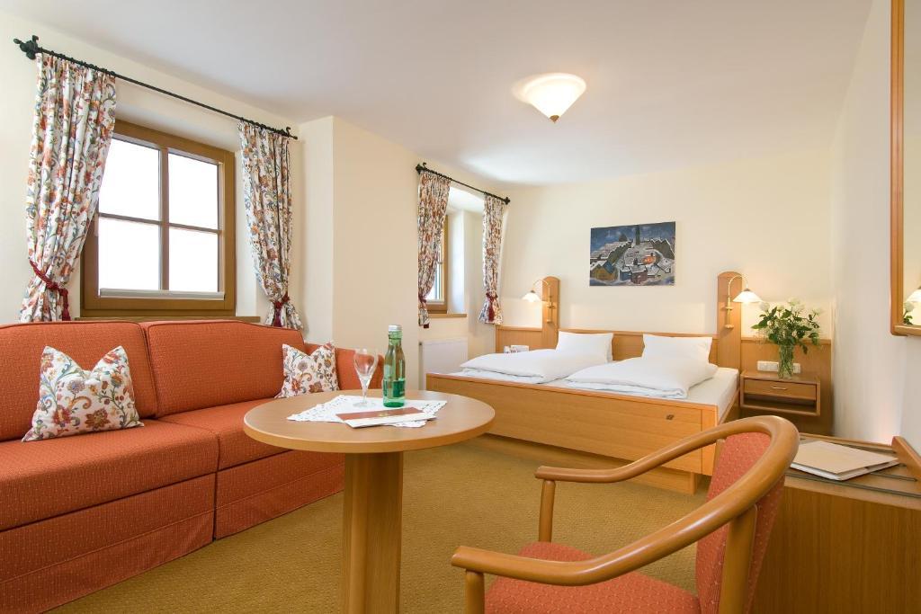 Hotel Gasthof Eggerwirt Kitzbuhel Austria Booking Com